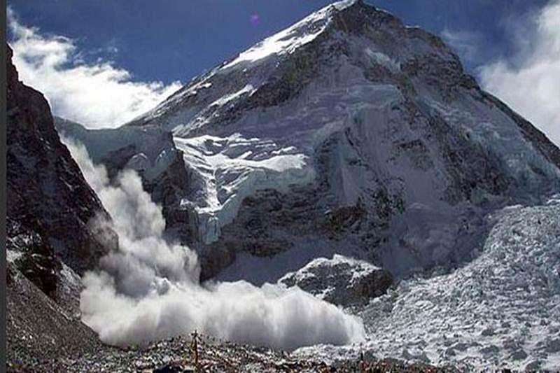 Western Naval Command scales Mount Satopanth in Uttarkashi