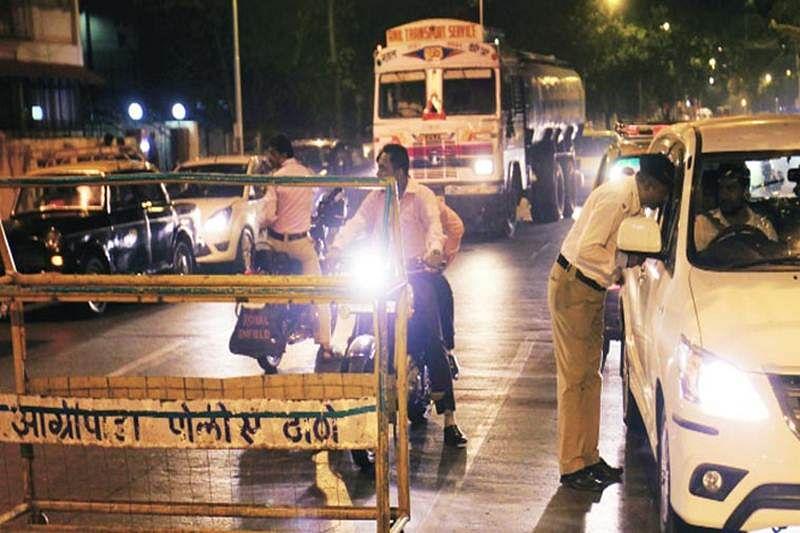 Policeman got hurt after biker hit him during nakabandi at Dahisar check-post