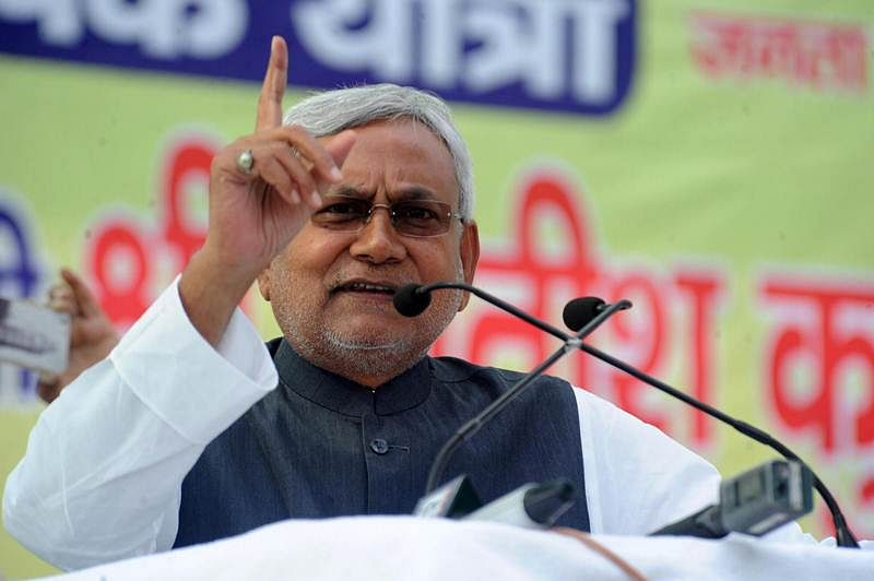 Nitish asks Modi to ban alcohol across country