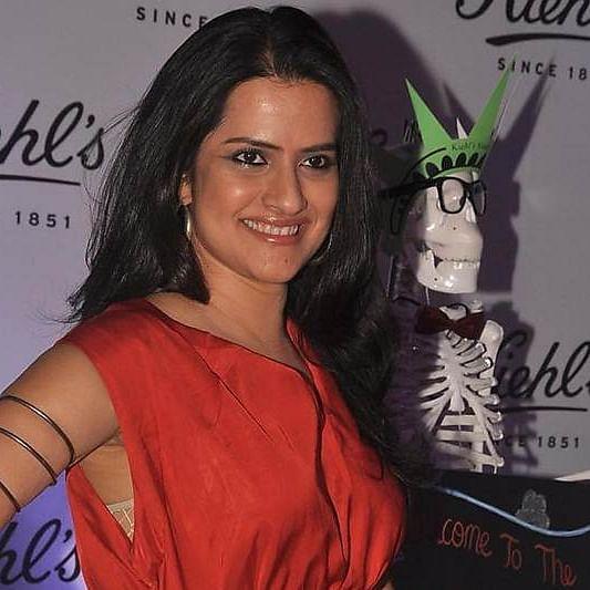 'Both Javed, Farhan Akhtar were hostile': Sona Mohapatra shares experience during 'Ambarsariya'; deletes tweet