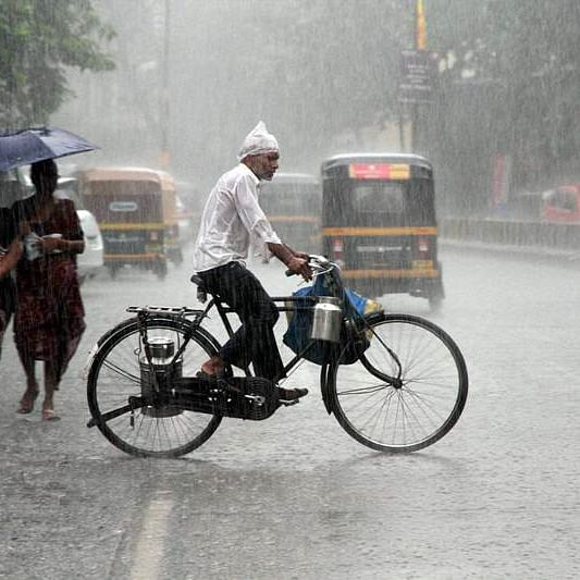 Monsoon in no mood to leave: IMD issues orange alert for Mumbai
