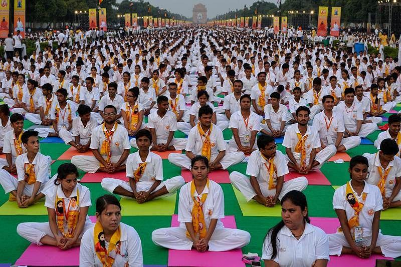 Dhaka: International Yoga Day event draws 7,000 enthusiasts