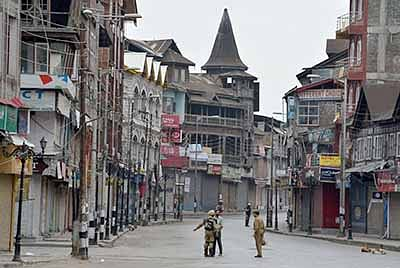 Info blackout, crack down  on newspapers in Kashmir