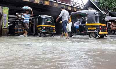 Heavy rains batter Thane; Masunda lake overflows