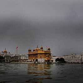 Union minister Hardeep Singh Puri and several foreign country heads visit the Golden Temple on Guru Nanak's 550th birthday
