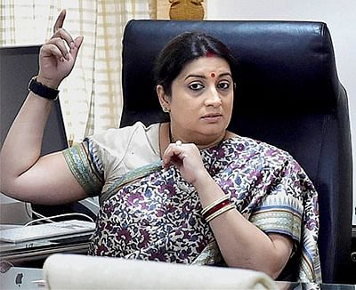 'Textile industry should not seek financial packages', says Smriti Irani