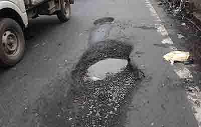 BMC has no standard operating procedure for filling City potholes