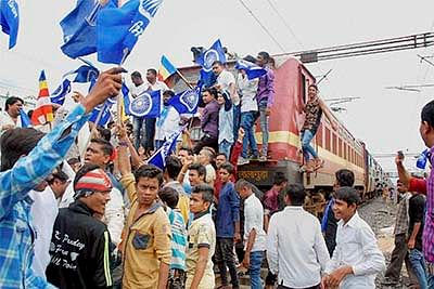 Una row: 3 Dalits attempt suicide; situation largely peaceful