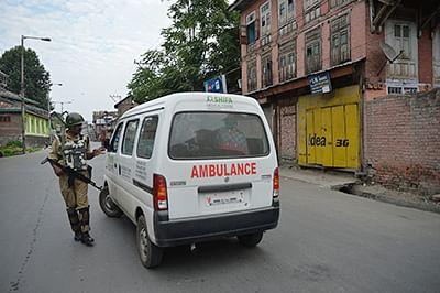 15 held in Palghar for transporting liquor in ambulance, other vehicles