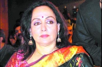 EC member keen on Hema Malini's dance performance at DAVV
