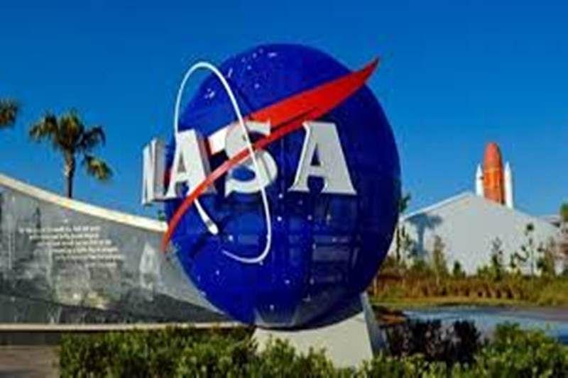 2NASA astronauts to take spacewalk next week