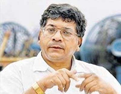 Demonetisation: Note ban has diluted RBI's value, says Prakash Ambedkar