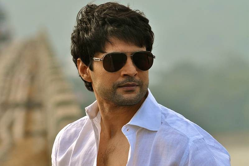 I believe in doing my own thing, says Rajeev Khandelwal