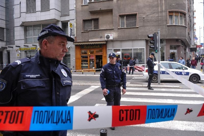 Man shoots dead 5, injures 20 in Serbian cafe: police