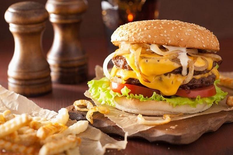 'Brain stimulation may curb food cravings'