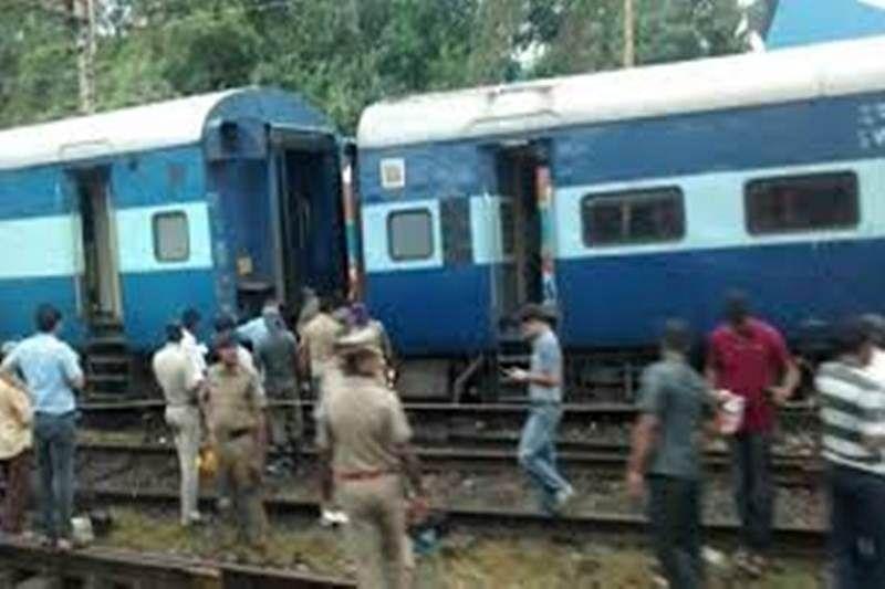 Engine, coach of Kannur-Ernakulam express derail, none injured