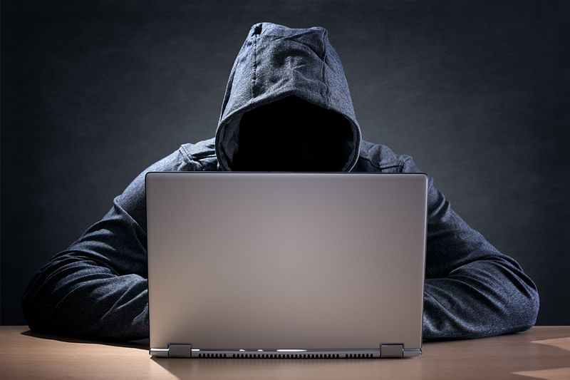 Mumbai: NRI's bank account hacked, one bank staff suspended