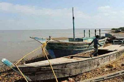 Five Pakistani fishing boats seized in Kutch