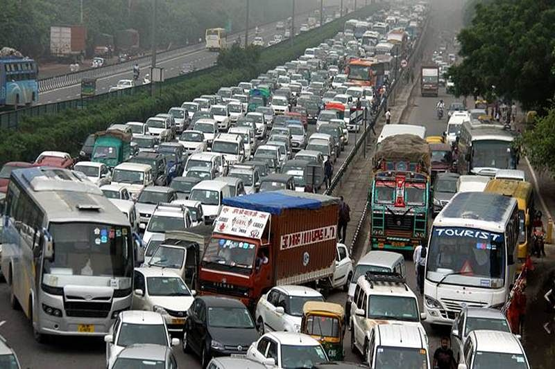 Twitter fumes over huge traffic jam in Mumbai on Western Express Highway amid coronavirus lockdown
