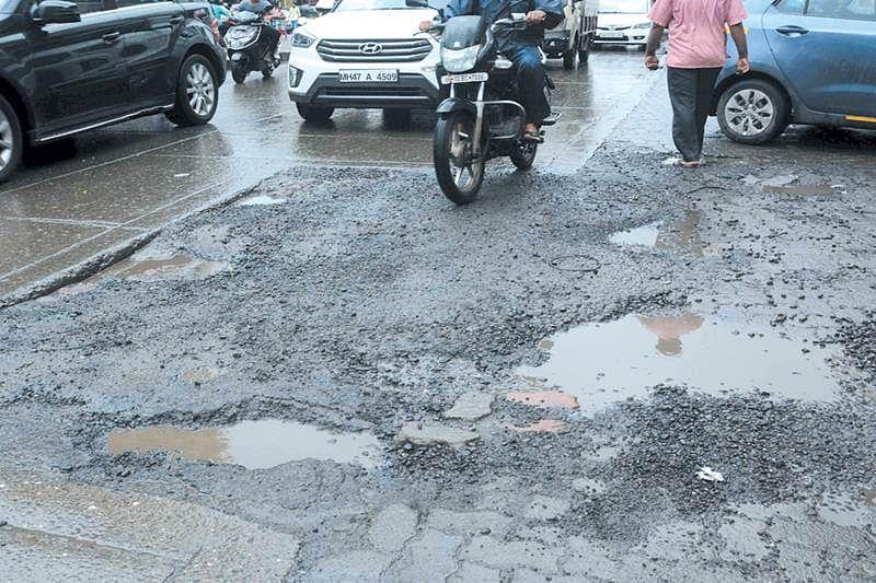 Mumbai Link road is motorist's nightmare