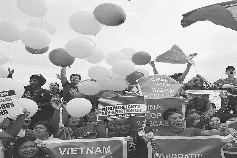Manila welcomes Hague ruling on South China Sea