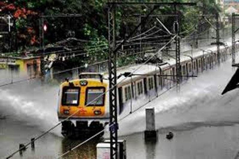 Monsoon cheers Mumbai city,Tulsi lake overflows
