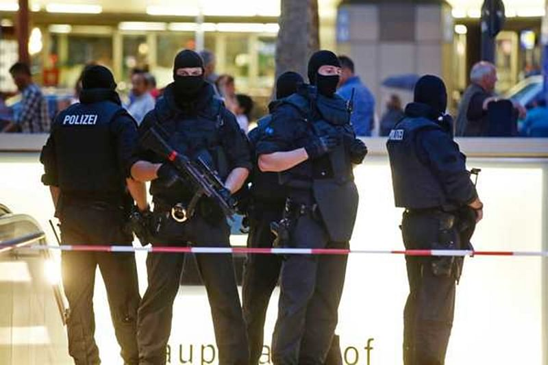 Munich shooting: Police say attacker was of Iranian descent