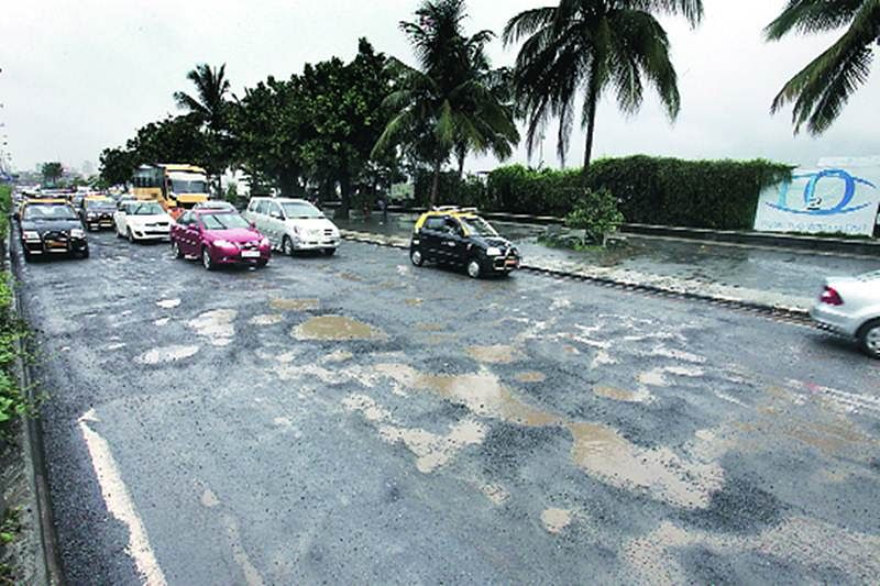MCGM chief Ajoy Mehta orders road repair within 2 days of complaint