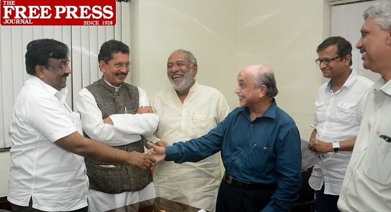 Mumbai: Sudhir Mungantiwar State Cabinet Minister of Finance, Planning, and Forest Departments in the Government of Maharashtra visit Free Press Journal Office meet Abhishek Karnani and Ashok Karnani Director of FPJ at Nariman Point . Photo by BL SONI
