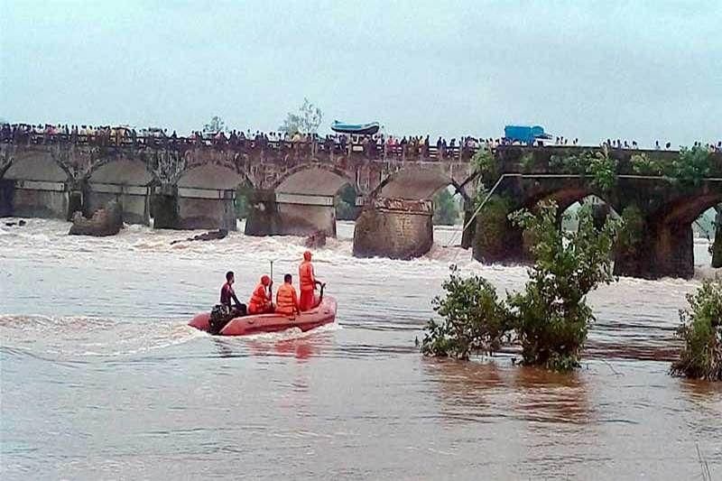 Maharashtra bridge tragedy: Wreckage of second bus found