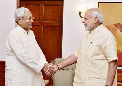 Nitish meets MODI, seeks  help to desilt the Ganga
