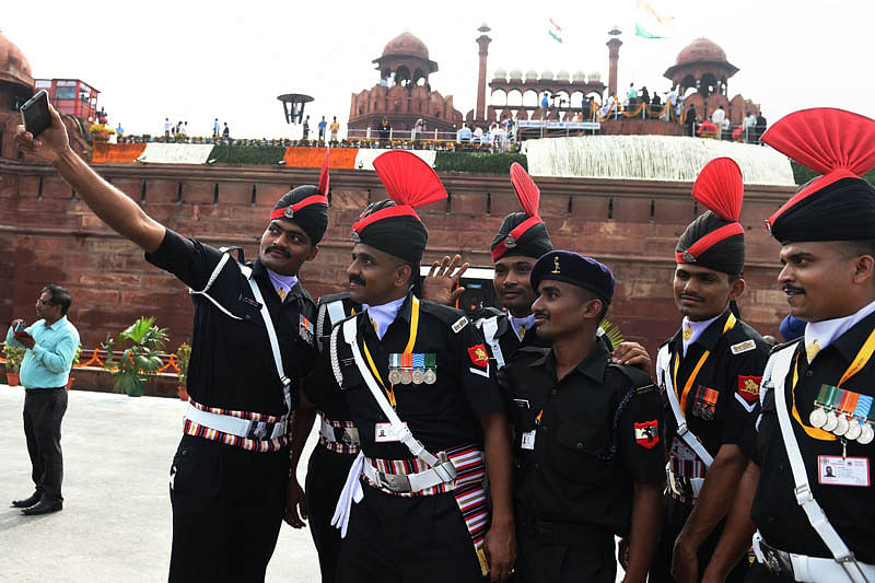 Red Fort bristles with patriotic fervor
