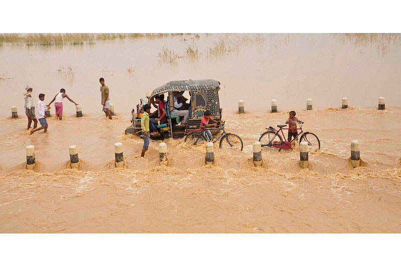 Schools in Allahabad, Varanasi closed due to floods