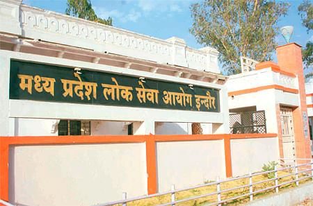 MPPSC-2012: 142 women among  390 candidates clinched jobs