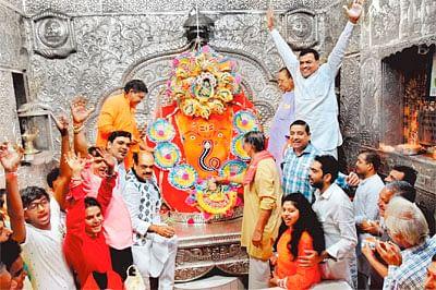 City abuzz with celebrations of Raksha Bandhan