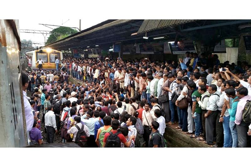 Mumbai: Central line train services affected due to 'rail roko' at Asangoan station