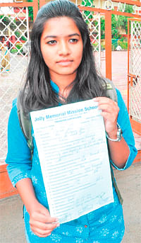 Girl leaves school protesting mgmt apathy towards her pet campaign