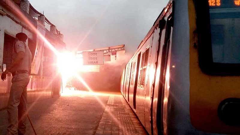 Major fire at Virar railway station, no casualties