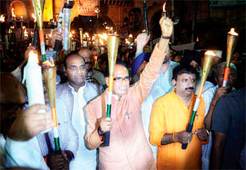 Contribution to nation's growth real homage to martyrs: Chouhan