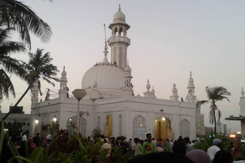 Plea seeks High Court prod for demolition near Haji Ali