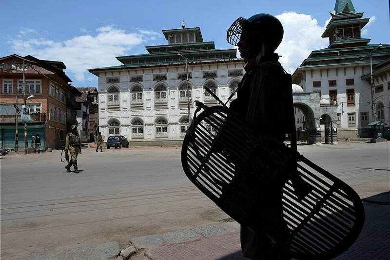 Jammu and Kashmir: Two CRPF jawan killed in militant attack in Anantnag district