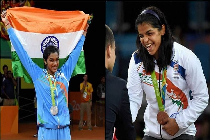 Delhi CM felicitates Olympic medallists PV Sindhu, Sakshi Malik