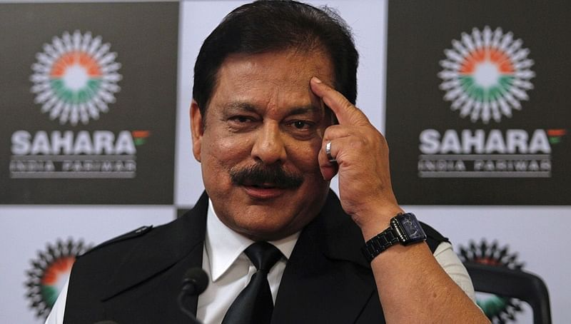 Sahara chief offers in SC to pay Rs 300 cr as bank gurantee