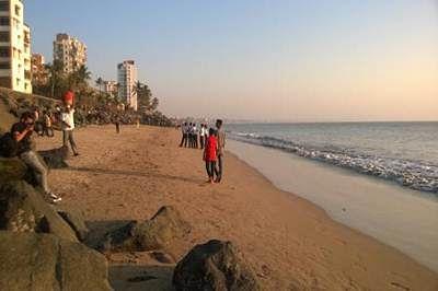 versova-beach