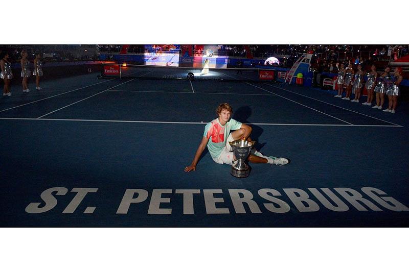 Alexander Zverev beats Stan Wawrinka to clinch first title