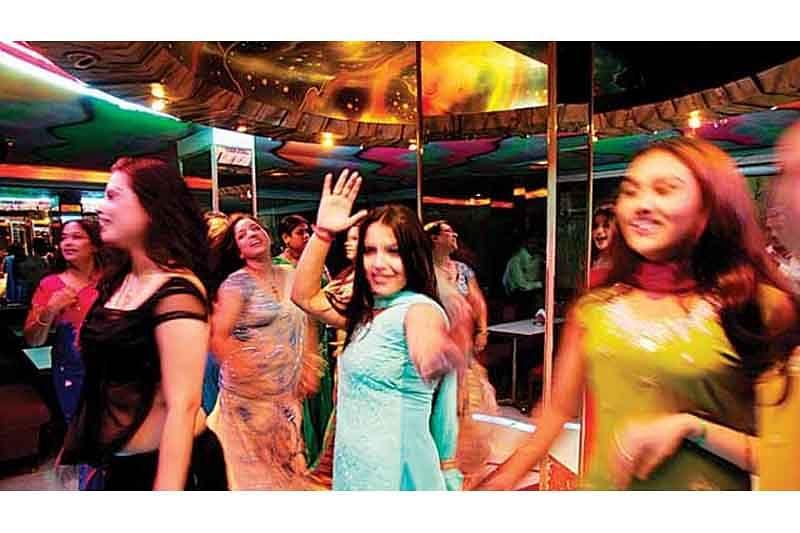 Mumbai: Liquor okay but no CCTV in dance bars