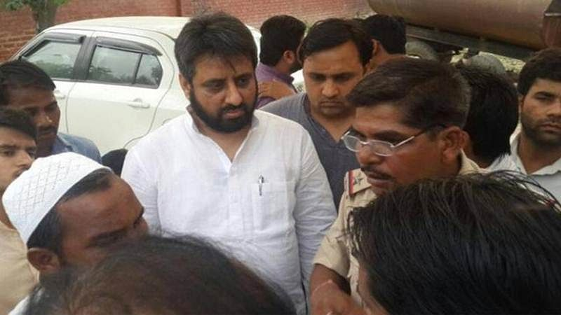 Signature Bridge scuffle: Delhi Police registers three cases, AAP MLA Amanatullah Khan booked