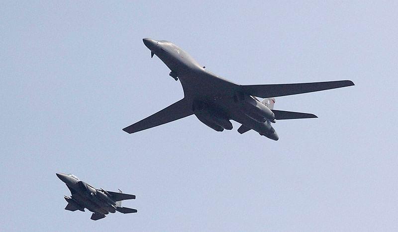 US flies bombers over  S Korea to tame North