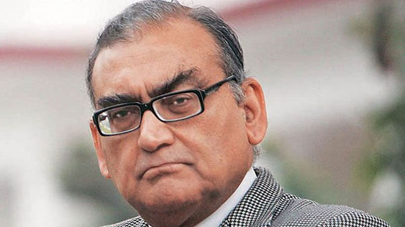 As Ramchandra Guha laments cancelled column, Justice Katju labels him 'superficial and highly overpraised person'