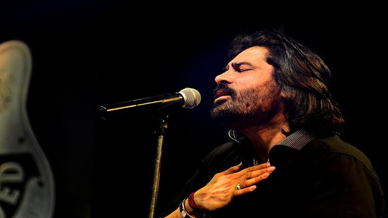 VHP, Bajrang Dal target Pakistani singer Shafqat Amanat Ali